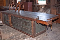 A Shaker Woodworking Bench