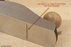 Mouth Adjustment Is Easy On A Bevel-Up Plane